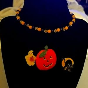 Halloween small necklace/pins